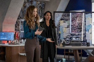 The Flash - Episode 6.12 - A Girl Named Sue - Promo Pics
