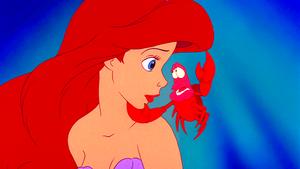 Walt Дисней Screencaps - Princess Ariel & Sebastian