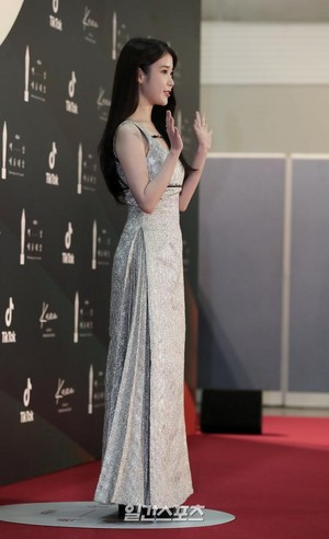 20200605 IU at 56th Baeksang Awards - Red Carpet