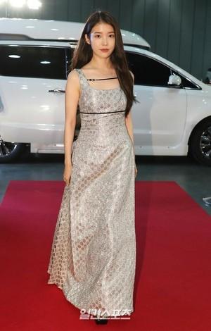 20200605 IU at 56th Baeksang Awards - Red Carpet