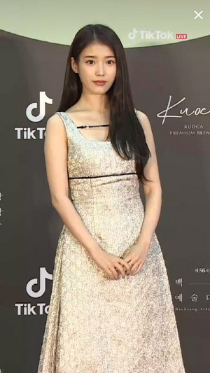 20200605 아이유 at 56th Baeksang Awards - Red Carpet