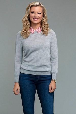 Amy Smart as Barbara Whitmore