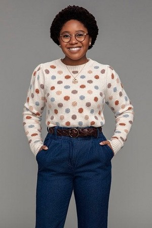 Anjelika Washington as Beth Chapel