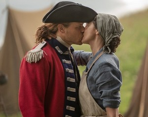Jamie and Claire চুম্বন - Season 5
