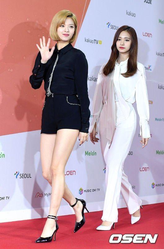 Jeongyeon and Tzuyu