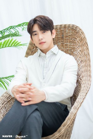 "Jinyoung - tVN Drama ""When My Life Blooms"" Promotion Photoshoot দ্বারা Naver x Dispatch"