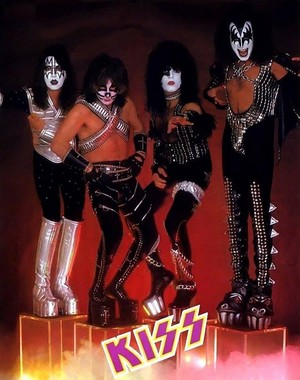 Kiss (NYC)...April 28, 1977 (Love Gun/Black Room Session)