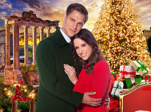 Lacey Chabert in 圣诞节 in Rome