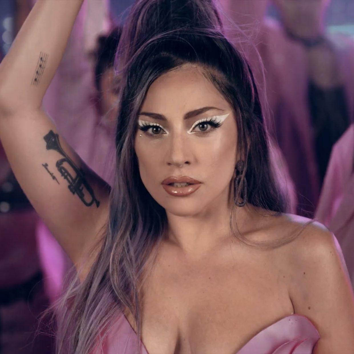 Lady Gaga*Rain on me*❤️🌺
