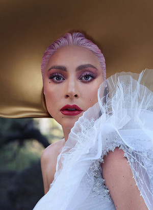 Lady Gaga photographed द्वारा Nathaniel Goldberg for InStyle Magazine (May 2020)