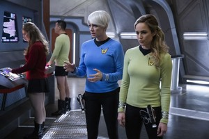 Legends of Tomorrow - Episode 5.13 - The One Where We're Trapped on TV - Promotional fotos