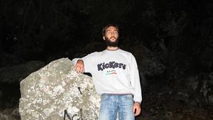 Xlson137 near the stone