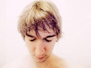 Xlson137 with a short haircut