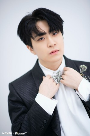 "Youngjae ""DYE"" mini album promotion photoshoot da Naver x Dispatch"
