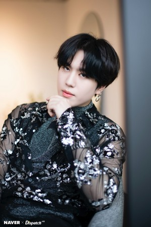 "Yugyeom ""DYE"" mini album promotion photoshoot oleh Naver x Dispatch"