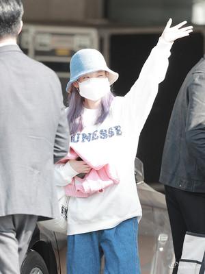 2019 IU at IU Tour کنسرٹ <Love, Poem> in Gwangju (Day 2)