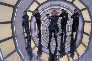7x08 - Anaconda - Raven, Jordan, Clarke, Miller and Niylah