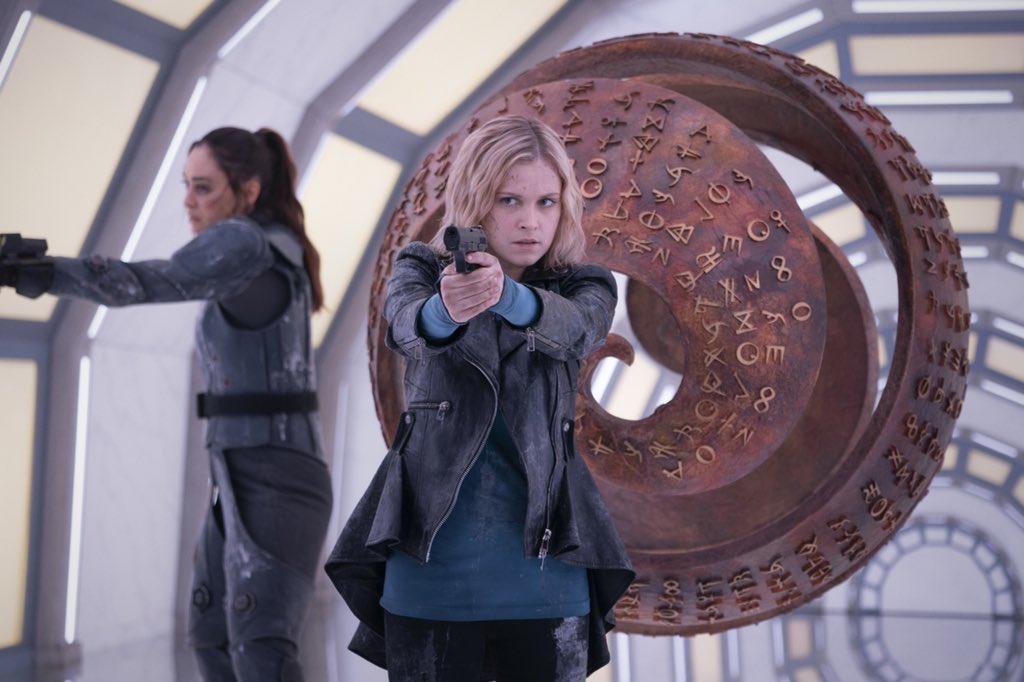 7x08 - Anaconda - Raven and Clarke