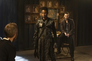 7x09 - The Flock - Indra and Murphy