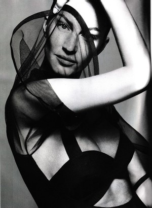 Gisele Bündchen in B&W for Vogue Brazil [May 2020]
