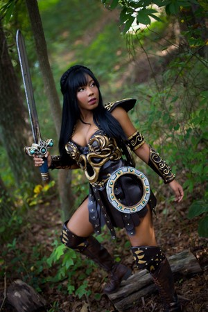Hot And Sexy Xena Cosplay によって Sami Bess - in Honor of the Show's 23rd Anniversary in 2018