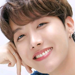 Hyung Line: Jhope🌸