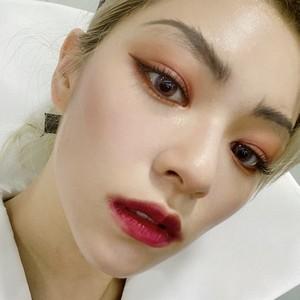 Jeongyeon as Evil クイーン