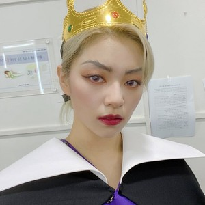 Jeongyeon as Evil Queen