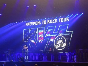 ciuman ~Green Bay, Wisconsin...August 10, 2016 (Freedom to Rock Tour)