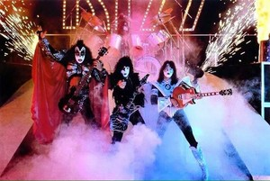 Kiss (NYC) July 25, 1980 (Eric Carr makes his debut at the Palladium)