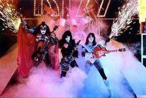KISS (NYC) July 25, 1980 (Eric Carr makes his debut at the Palladium)