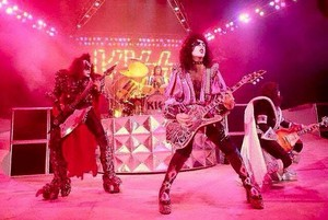 Kiss ~Savannah, Georgia...June 20, 1979 (I was Made for Loving Ты and Sure Know Something filming)