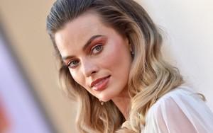 Margot Robbie achtergrond