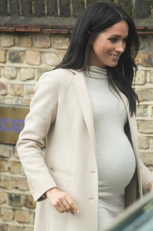 Meghan ~ Visit to the Mayhew (2019)