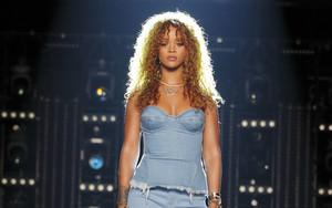 Rihanna The Voice