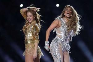 Shakira & JLo live at The Super Bowl LIV Halftime hiển thị 2020