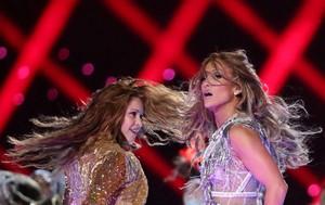 Shakira & JLo live at The Super Bowl LIV Halftime دکھائیں 2020