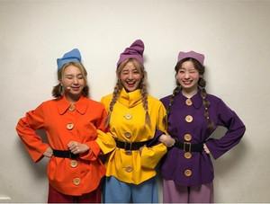 Snow White and the 7 Dwarfs (Twice Version)