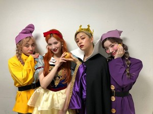 Snowwhite and the 7 Dwarfs (Twice Version)