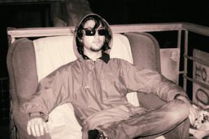 Xlson137 sitting on the диван, мягкий уголок фото