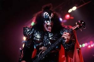 Gene ~Basel, Switzerland...September 28, 1980 (Unmasked World Tour)