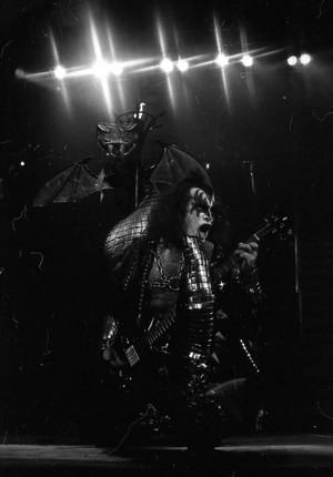 Gene ~Houston, Texas...September 2, 1977 (Love Gun Tour)
