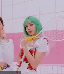 Lisa green hair