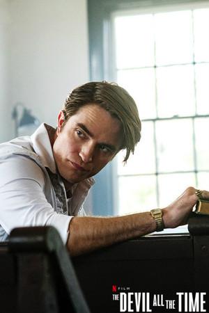 Robert Pattinson - The Devil All The Time (2020)