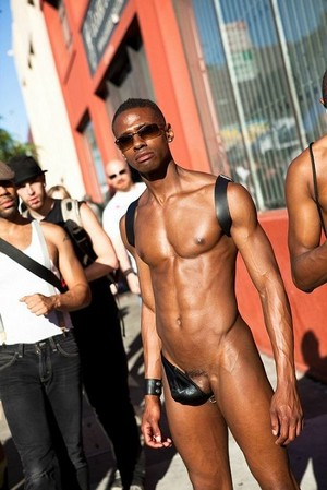 Liebe this semi nude gay style