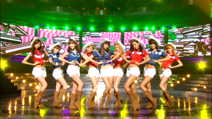 SNSD performing Hoot in cowgirl outfits.