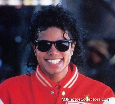 c247f6cda1d52 Michael Jackson Do you think Michael looks better with or without glasses