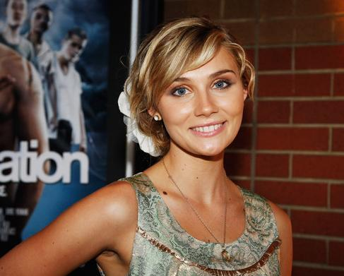 Which Hair Style Do Toi Like More Clare Bowen Fanpop