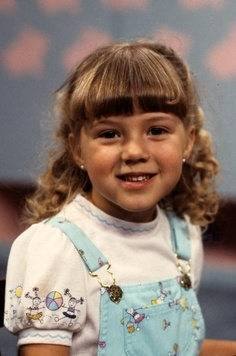 how old do you think stephanie looks in season 1 stephanie tanner