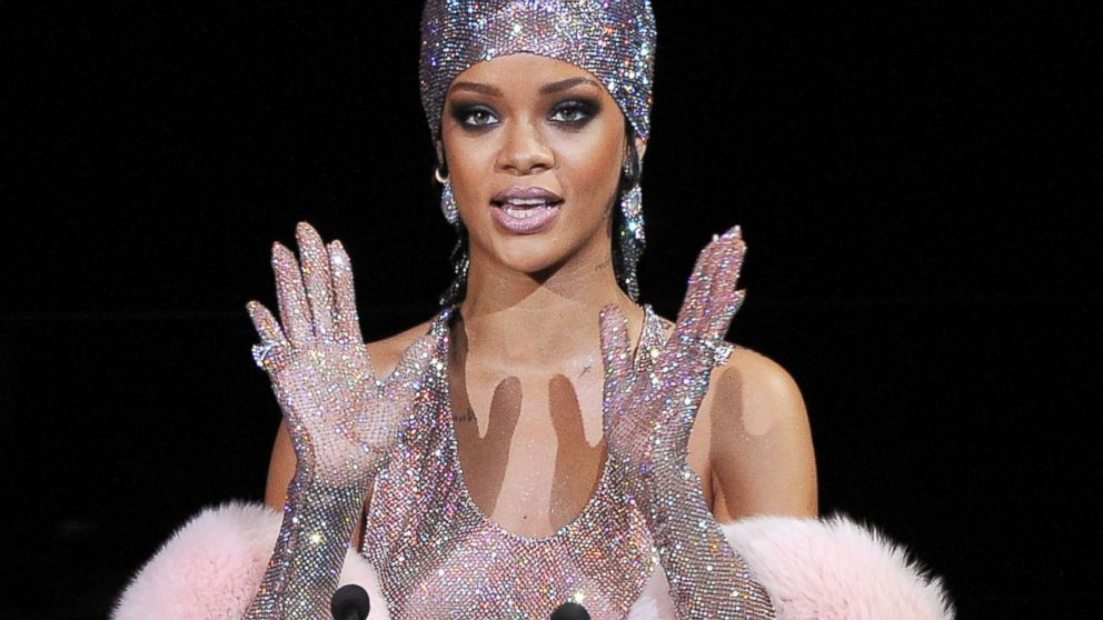 Te Amo [Music Video] - Rihanna Image (21928746) - Fanpop